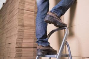 Read more about the article Jakie są rodzaje drabin aluminiowych i drewnianych oraz na jaką warto się zdecydować?